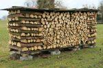 Сложенные дрова – Как сложить дрова в поленницу? Как правильно и красиво уложить дрова друг на друга рядами, кругом и стогом? Схемы укладки дров клеткой и колодцем